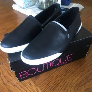 Boutique by Corky's Moxey Size 10 Black